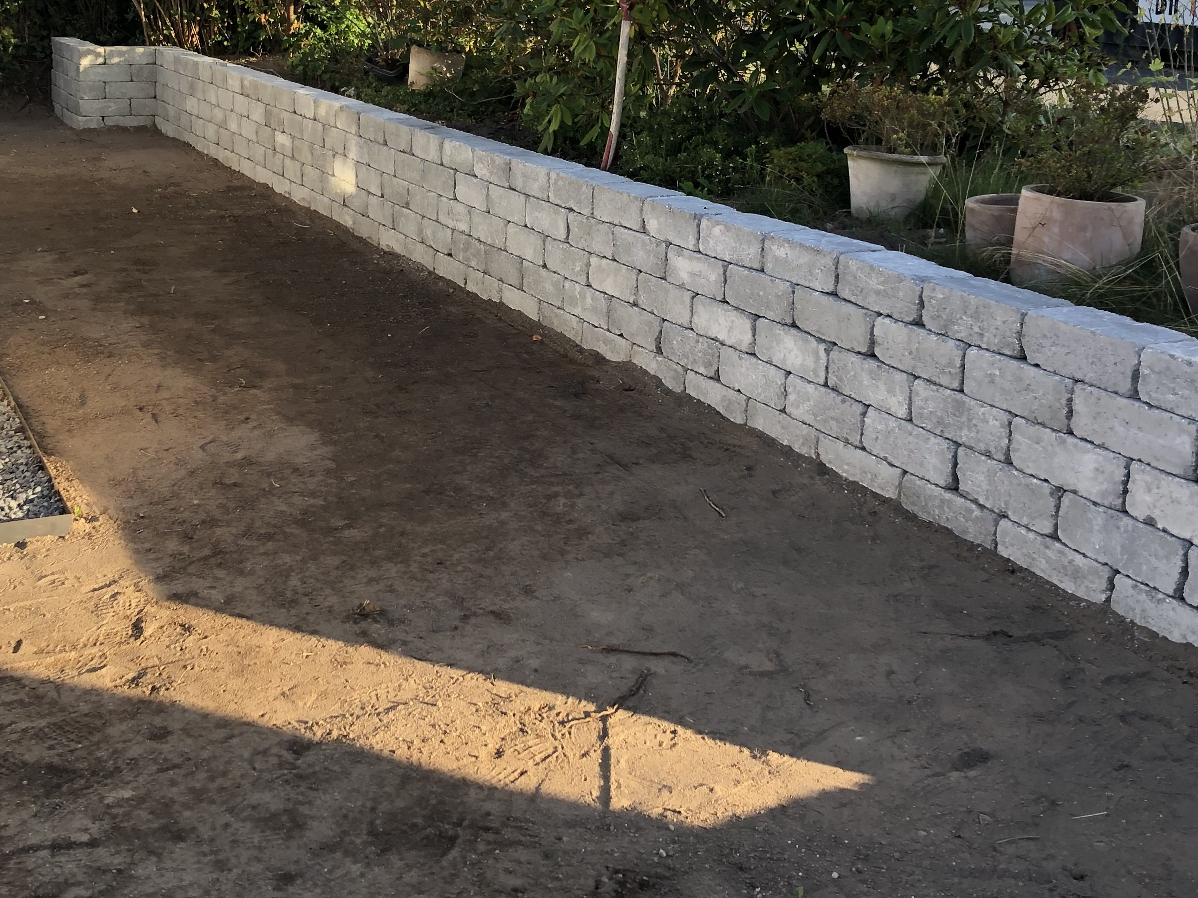 Konstruktion af bed lavet i betonsten i Nordsjælland - få tilbud